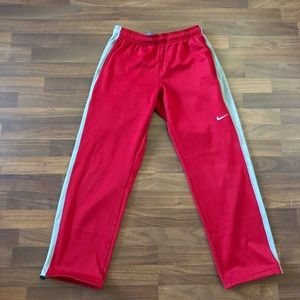 Nike therma fit sweatpants size medium
